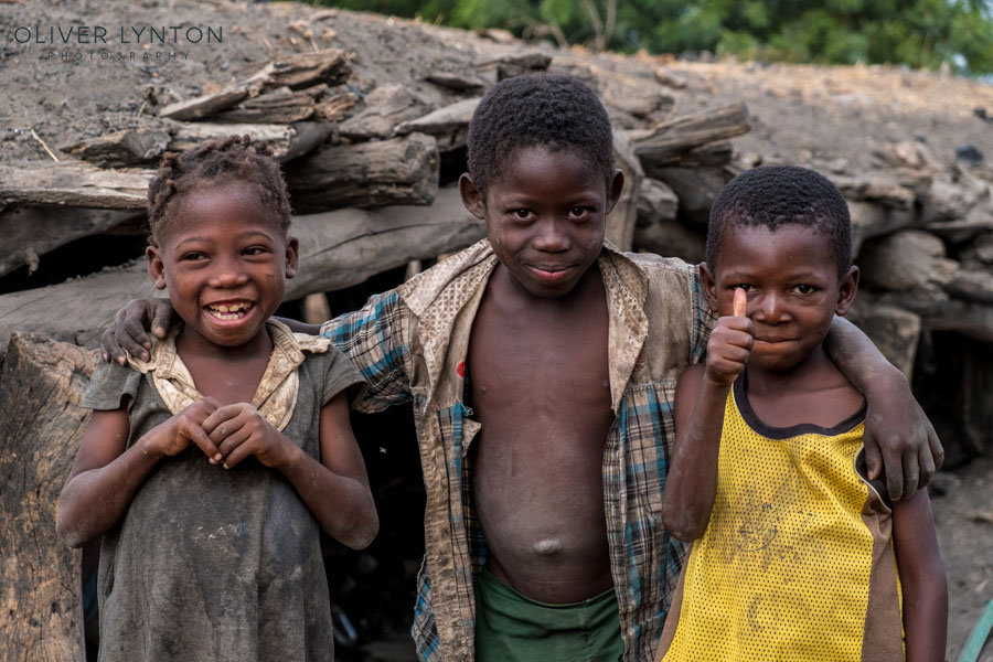 oliver lynton, #fujixt2, x-t2, fuji, fujifilm, burkina faso, africa, west, ouri, children, boy, girl, people