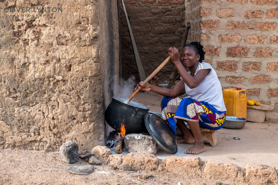 oliver lynton, #fujixt2, x-t2, fuji, fujifilm, burkina faso, africa, west, hounde, to, cooking, baobab, diet, staple, food, people