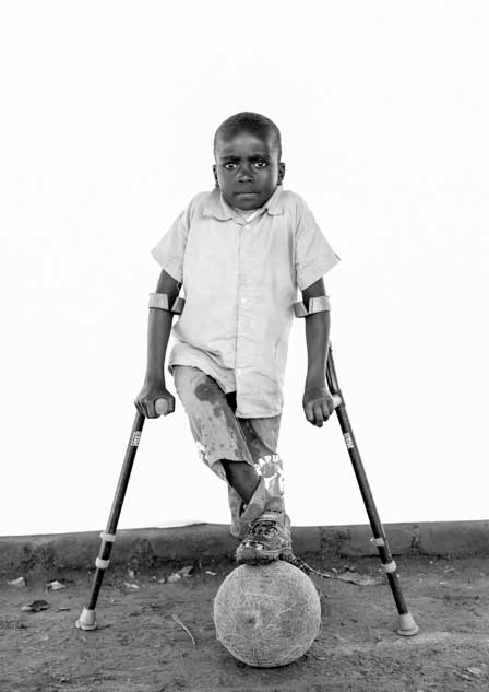 oliver lynton, fujifilm, fuji, x-t2, kenya, disability, paralympics, children, child, youth, people
